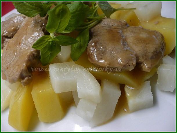 Vepřové medailonky s tuřínem a brambory