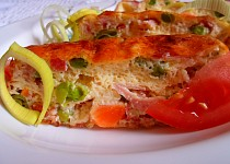 Zapečený sýr se zeleninou a šunkou