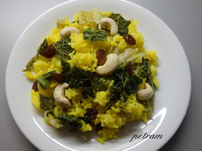 Žlutá rýže s kapustou
