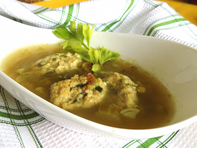 Celerovo - čočková polévka s vločkovými haluškami