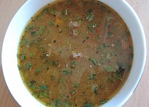 Gulášová polévka s rajčaty
