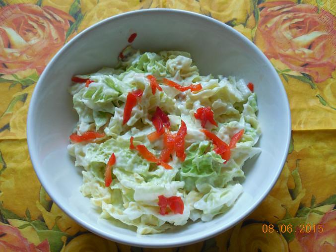Jednoduchý salát z pekingského zelí