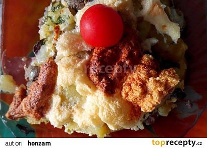Kuřecí játra zapékaná s bramborami, sýrem a smetanou