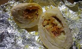 Kuřecí prsa zavinutá se sýrem a šunkou v alobalu