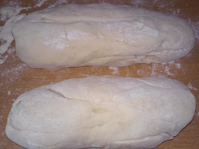 Kynuté houskové knedlíky v páře, knedlíky před vařením v páře