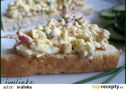 Pomazánka na chlebíčky  (strouhaný salát)