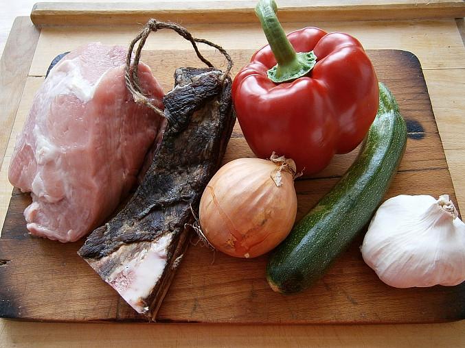 Vepřové nudličky s uzeným bůčkem a zeleninou(v papiňáku), Část použitých surovin