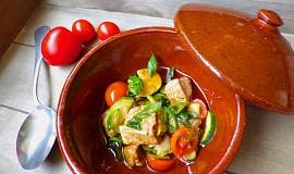 Vepřový perkelt s cuketou a rajčaty
