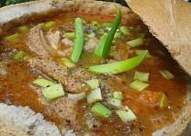 Zelenino-dršťková polévka v chlebu