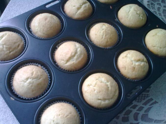 Cupcakes s čokoládovou polevou, Cupcakes s čokoládovou polevou  upečené
