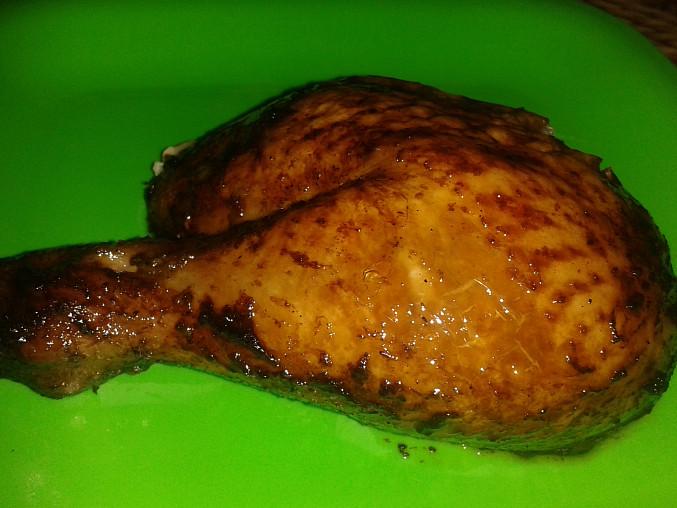 Grilované kuře plněné slaninovým chlebem