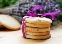 Křehké sušenky s levandulí a tymiánem