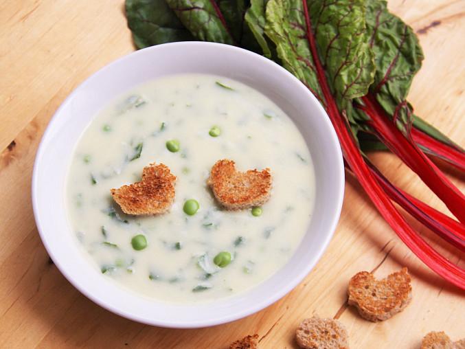 Krémová květáková polévka s mangoldem