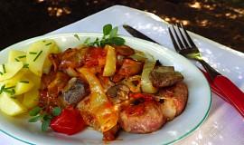 Krkovička se směsí hub a zeleniny s oreganem