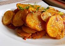 Křupavé brambory s tymiánem