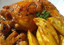 Kuřecí stehna na slanině a žampionech