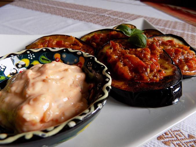 Lilek s bazalkovým sosem