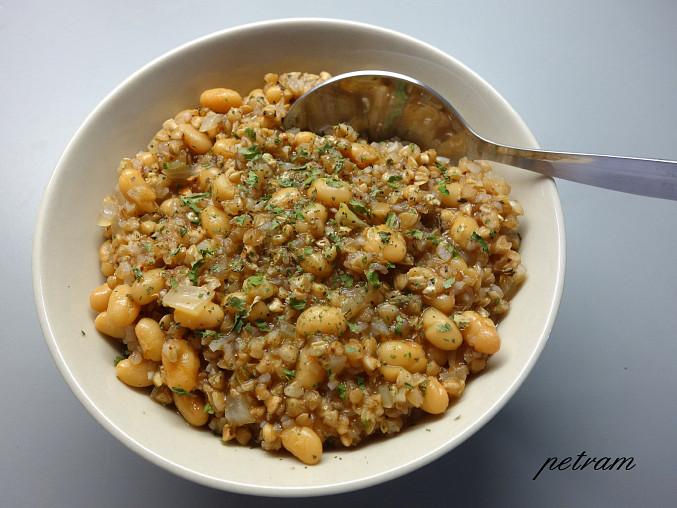 Pohankovo-fazolový kotlík