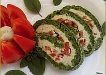Špenátová roláda s gorgonzolou a rajčaty