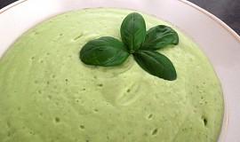 Studená okurkovo - avokádová polévka