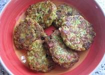 Brokolicové karbanátky s anglickou slaninou