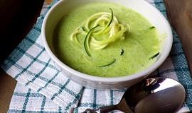Cuketová polévka s parmezánem