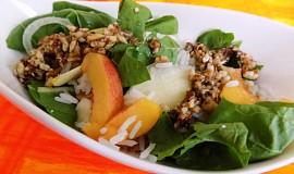 Mangoldovo-ovocný salát se zázvorovým dressingem