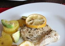 Pečená štika s citronem a tymiánem