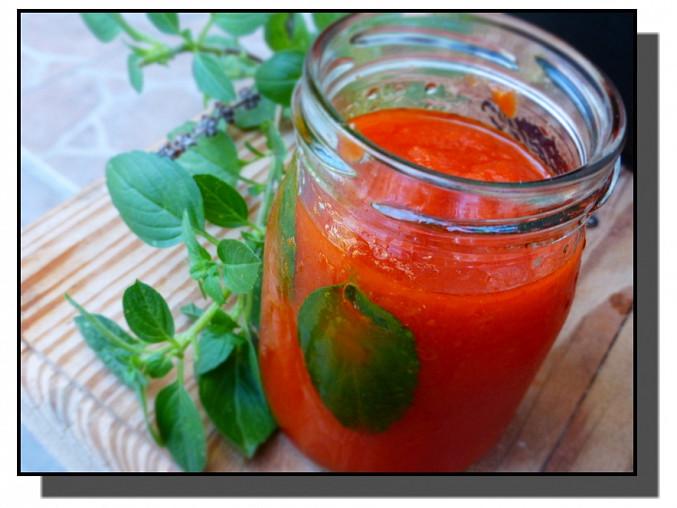 Rajčatová omáčka s bazalkou (Sugo di pomodoro al basilico)
