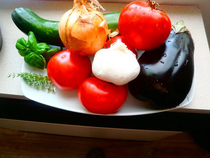 Ratatouille a kachní prsa, zelenina a bylinky použita na tento recept