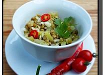 Salát z čočky a mangoldových řapíků