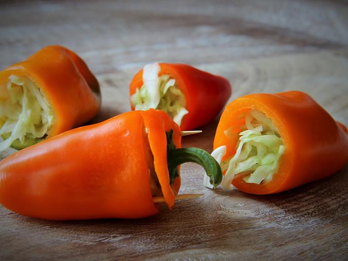 Sterilované papriky plněné zelím a křenem