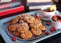 Zimní sušenky s melasou a ořechy
