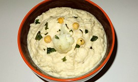 Hummus s květákem
