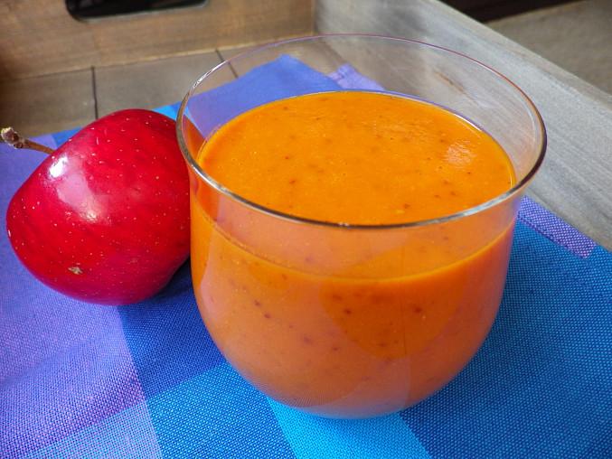 Jablkové smoothie s pečenou dýní a goji