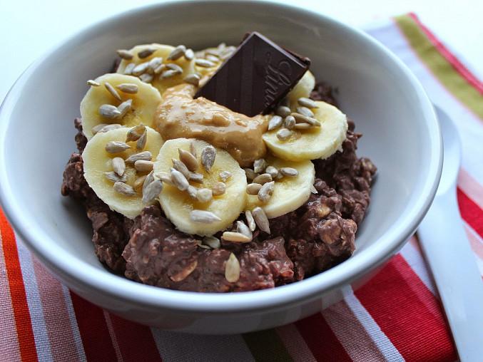 Kakaová ovesná kaše s banánem