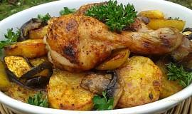 Kuřecí stehna pečená s brambory v sáčku