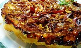 Obrácený koláč s červenou řepou