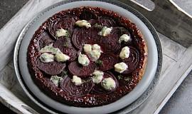 Obrácený koláč s červenou řepou I.