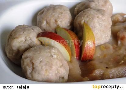 Ořechové kuličky s jablkovou omáčkou