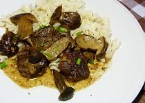 Pečená vepřová líčka s houbami
