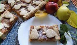 Podzimní koláček s jablky a hruškami
