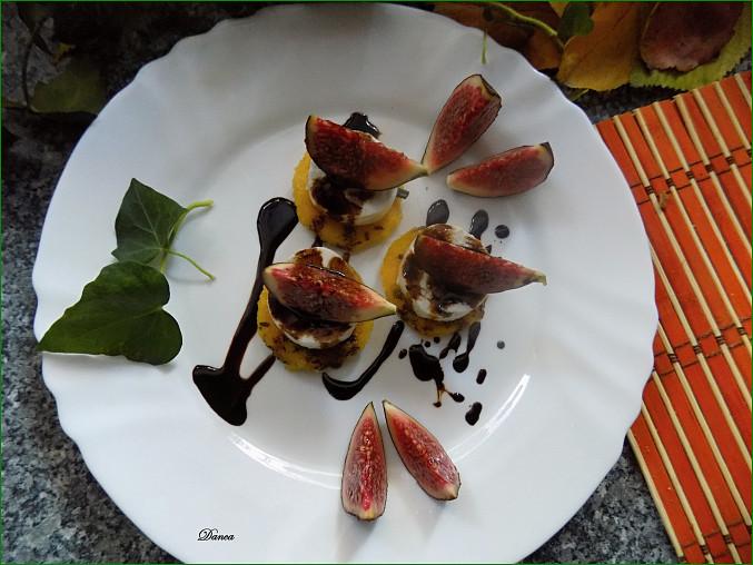 Polentové dukátky s kozím sýrem a fíky