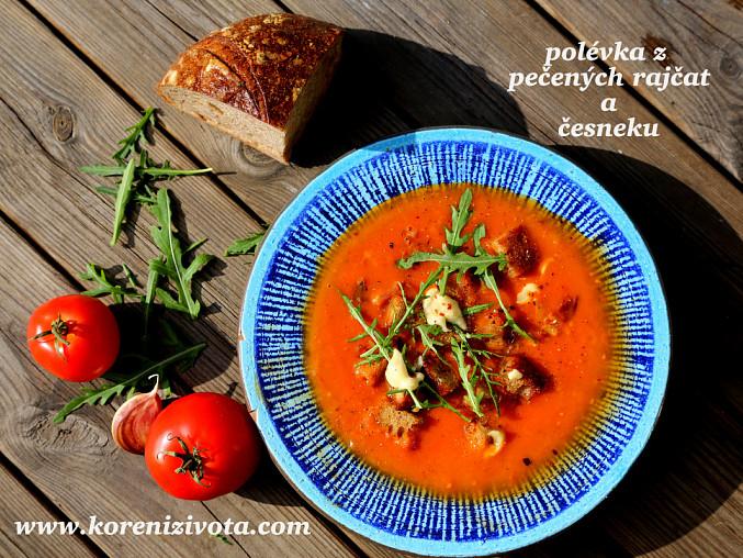 Polévka z pečených rajčat a česneku