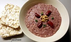 Pomazánka z červených fazolí a vlašských ořechů