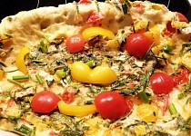 Sýrová vaječina s bylinkami a zeleninou