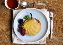 Vanilkové koláčky s hruškou a marcipánem