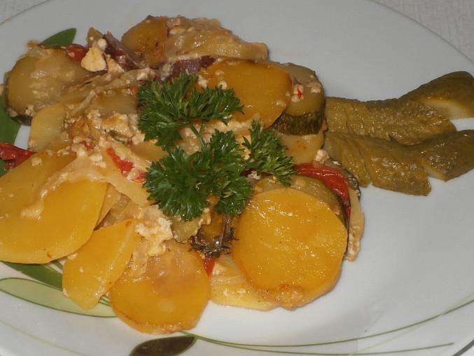 Zapékané brambory s cuketou