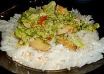 Brokolicová směs na rýžových těstovinách