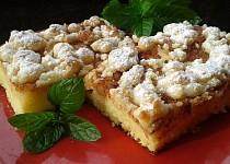Jablkový koláč z tvarohového těsta s drobenkou